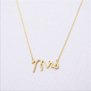 Jewelry - Mrs necklace (gold colored)